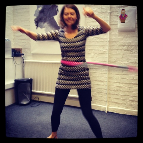 jo hula-hooping!