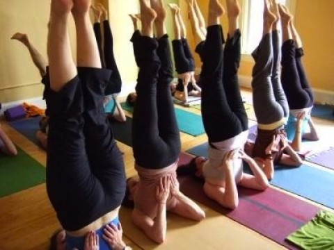shoulderstand yoga class