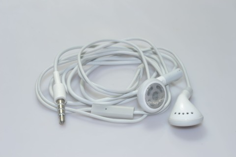 white apple earphones